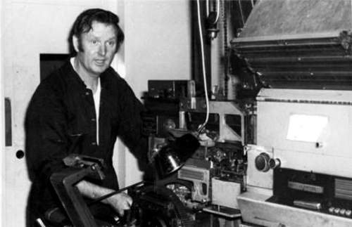 George Finn attends to a Linotype Elektron back splash